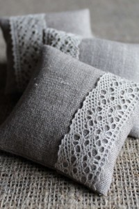 Lavender sachets with lace