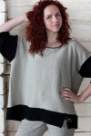 Pončo stiliaus lininis megztinis