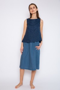 Sleeveless linen blouse with side slits