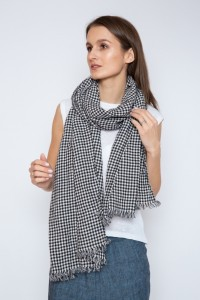 Long linen checked scarf